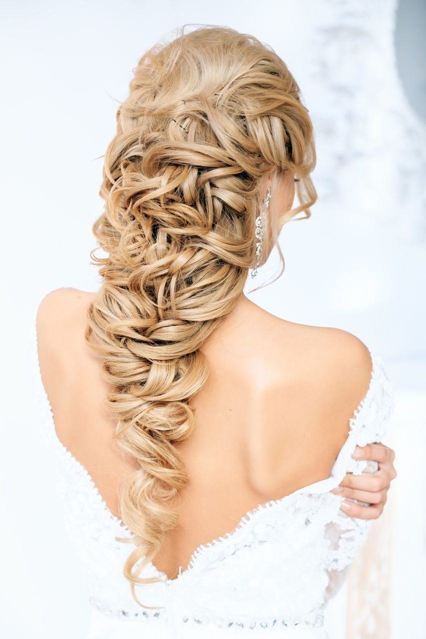 Прическа в греческом стиле на длинные волосы фото