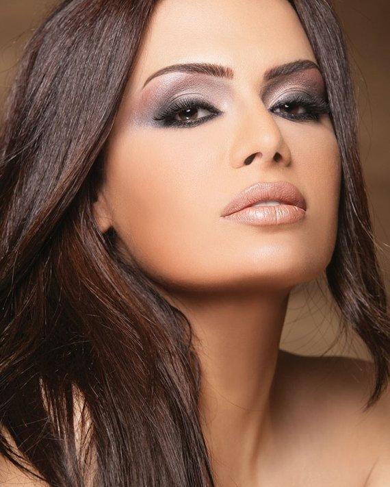Вечерний макияж для брюнеток с темной кожей и светлыми глазами