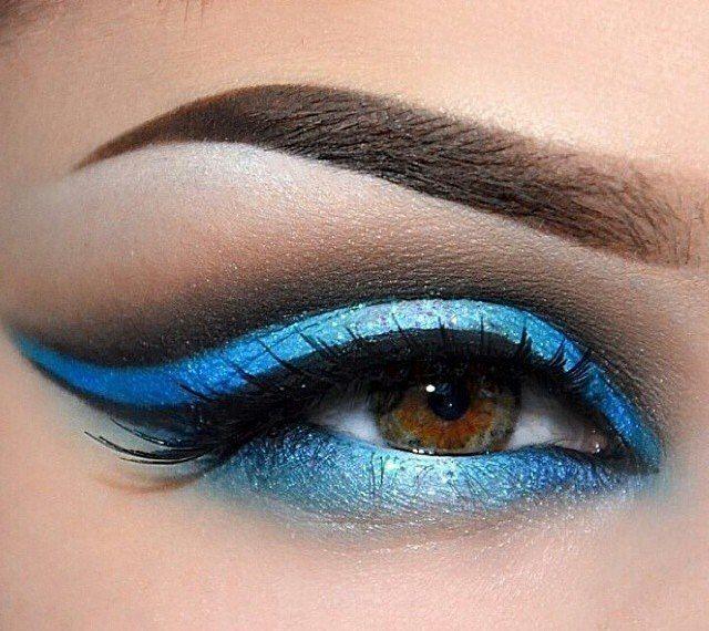 Макияж в синих тонахМакияж в синих тонах