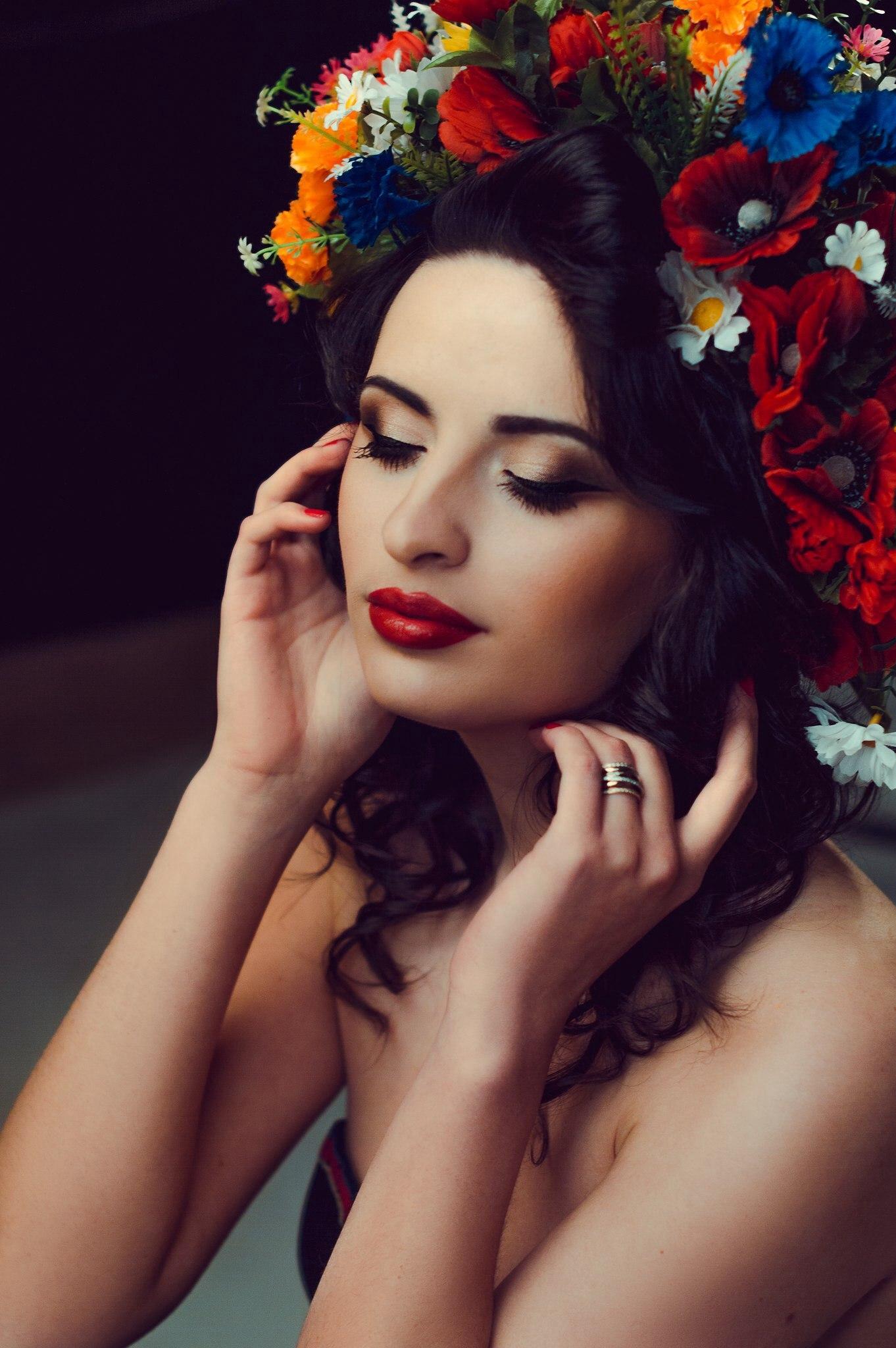 красивый макияж со стрелками